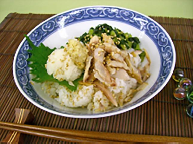 【2006】アジの干物どんぶり:大人・子ども向き 2人前 ¥800-<br /> いつもの干物が焼いてほぐして大根おろしを添えるだけでお手軽どんぶりに変身。<br /> 小さなお子様からご年配の方まで食べやすい人気のレシピ。塩鮭バージョンも美味しいです。<br /> 詳しいレシピはこちら